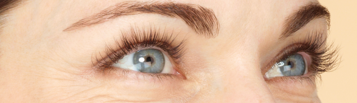 Unretouched lashes of a woman who has used LATISSE®